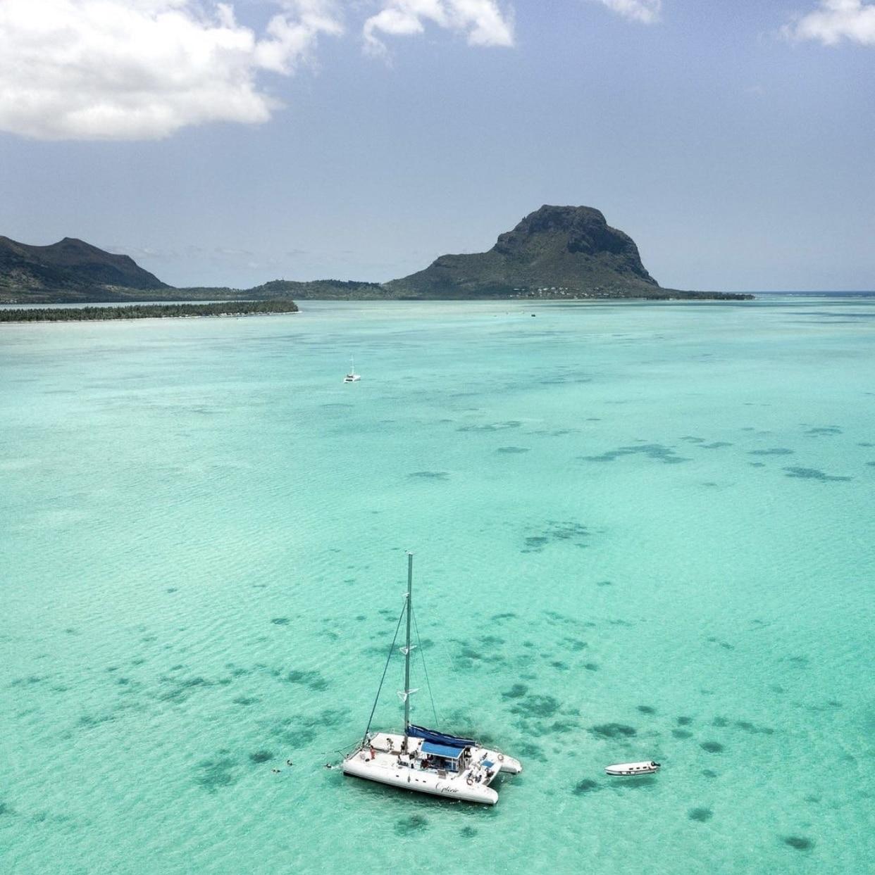 Budget catamaran Maurice